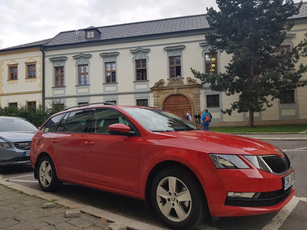 Octavia Autonapůl Ostrava
