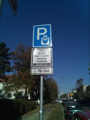 Parkovani v Praze fialova